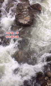拉萨慢二零 带你看西藏! 色季拉山山瀑潺潺~ #西藏旅行 #拉萨骑行 #拉萨租自行车