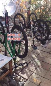 拉萨慢二零 带你看西藏! 骑行一定要注意安全,人好车好大家好~ #拉萨租自行车 #拉萨骑行 #西藏旅行