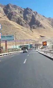 拉萨慢二零 带你看西藏! 遇山开山,中国基建无敌了~ #西藏旅行 #拉萨骑行 #拉萨租自行车