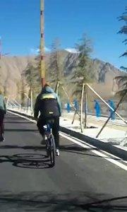 拉萨慢二零 带你看西藏! 谁说冬天不骑车,超爽~ #西藏旅行 #拉萨骑行 #拉萨租自行车