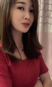 #夏日清凉美女多 关注走一走,谢谢大家!
