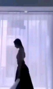 #花椒星闻         新人见面会@Sic柒月小可爱吖 本人全塘去冰,一段唯美舞蹈,有木有辣到你的双眼!  17小时前@Sic柒月小可爱吖 发布一段短视频:今日限定 ,本人全糖去冰 !        @Sic柒月小可爱吖 秀一段舞蹈,美丽人生从舞蹈开始,秀出精彩,秀出唯美,秀出自信,你喜欢这样的@Sic柒月小可爱吖 吗?欢迎评论区留言哦! @花椒热点