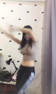 高颜值的花椒主播居然在做这种事!还被人录了小视频!抓紧围观!