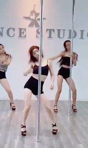 跳舞真的会让人心情愉悦[愉快]  慢慢变好?