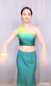 @子芊小妞  #我怎么这么好看  舞蹈《傣族舞舞曲》2