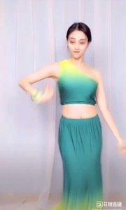 @子芊小妞  #我怎么这么好看  舞蹈《傣族舞舞曲》3