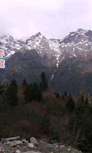 拉萨慢二零 带你看西藏! 西藏冰川太多,实在分不清,还是下河去玩吧~#西藏旅行 #拉萨骑行 #拉萨租自行车