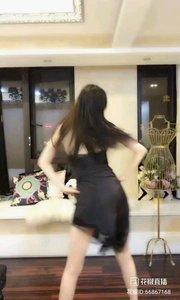哎哟我仙(66867168)  一段令人神魂颠倒的舞蹈,彻底让我大开眼界,原来如此清纯的美女,依旧也有性感的一面!