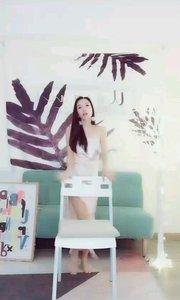 鳌拜的妹妹熬夜(105636064)蕾丝边真丝睡衣椅子舞你们看过吗,今天让大家感受什么是极度性感妖娆诱惑!