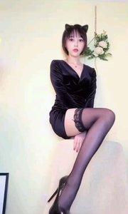 ☔雨雨YuYu5(88333999)我有美腿我怕谁,玩的就是腿,肤白貌美还有雪白粉嫩大长腿,我就问你服不服!