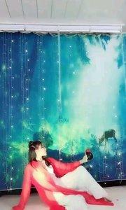 @✨火爆猴? 舞蹈《红尘笑》选段一,飒爽英姿那种巾帼不让须眉的气质,飘逸洒脱优美舞姿让人深感叹服! #性感不腻的热舞 #古风之美 #全站最美美腿