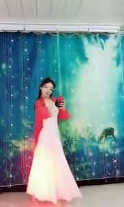 @✨火爆猴? 舞蹈《红尘笑》选段一,飒爽英姿那种巾帼不让须眉的气质,飘逸洒脱优美舞姿让人深感叹服! #性感不腻的热舞 #我怎么这么好看 #古风之美