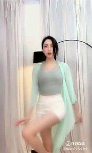 @- 你的小小兔*?  #爱跳舞的我最美 #性感不腻的热舞