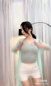 @- 你的小小兔*?  #性感不腻的热舞 #爱跳舞的我最美 #主播的高光时刻