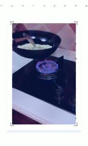 女人一定要嫁给一个会做饭的男人