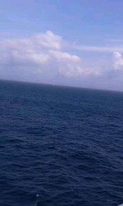好大的海风。