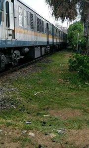 斯里兰卡  火车不关门的