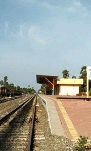 #古风之美 #户外动起来 #带着花椒去旅行 #国外火车站 国外边境小镇车站