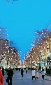 想带你去看晴空万里,想带你去看夜幕下的哈尔滨