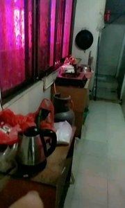 看看我广东的厨房和卫生间好小???