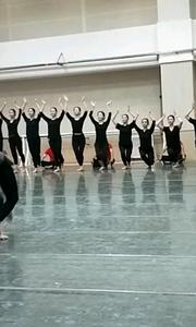 你们想看的舞蹈片段 今天来点异域风情 这个舞到时候腾讯爱奇艺宁夏台同步直播 喜欢的给我赞 让我看看你们的热情