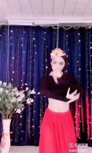火爆猴舞蹈专区:ⅠD776677(舞蹈推送)选自【一命二运三风水】个人动态,火爆猴的新疆舞蹈运用蒋大为的达板城姑娘歌曲伴奏,体现了新疆舞蹈民族特色!来自新疆的风土人情!@火爆猴776677@动态君