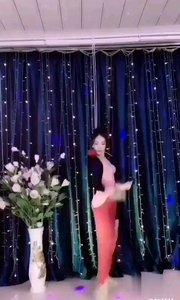 火爆猴舞蹈欣赏专区:|D776677(舞蹈推送)@✨火爆猴? @花椒热点 @花椒动态 #爱跳舞的我最美 #主播的高光时刻 #性感不腻的热舞 #我怎么这么好看