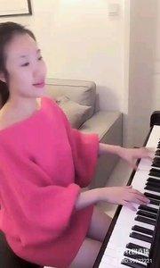 小静的钢琴弹奏《快乐的女战士》