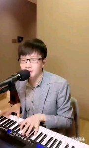 《快嘴的彈唱》  儒雅的彈唱 輕松的樂曲 男神好帥 卓而不群…