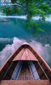 《静》  留一份宁静给自己 不要被生活带得跑偏 世上总有你达不到的地方 所以要正确的对待自己……