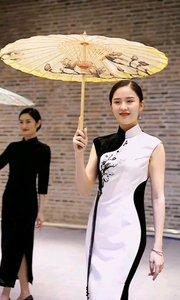 《东方美》  一举一动东方美 优雅温婉媚无穷 中华文化含底蕴 浓浓吹遍中国风……