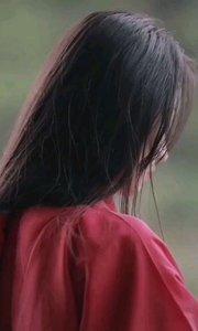 《红豆情》  我在岁月中等你 你却杳无音讯 你是否忘记了当年的誓言 只有红豆还绽放在风中……