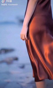 《风》  风轻轻的 吹开了我的心河 那柔情的碧浪 泛湧起了层层的涟漪……