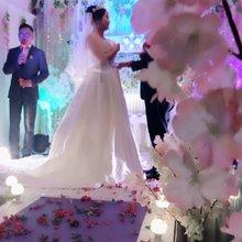 我滴闺蜜嫁出去了。哈哈哈。。。