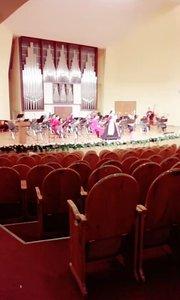 第二场打卡,今天在号称哈萨克斯坦最好的音乐学院演出,剧场像不像个帐篷?
