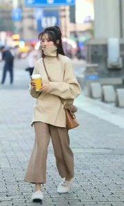 妍妍长得漂亮啊,穿什么都好看。真羡慕妍妍啊?❤❤❤