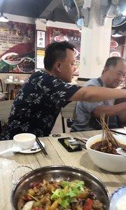 和老王一起在芭提雅吃饭