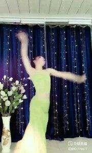 舞者火爆猴《小白杨》1.2#今天直播穿点啥 #主播的高光时刻 #我怎么这么好看 @花椒热点