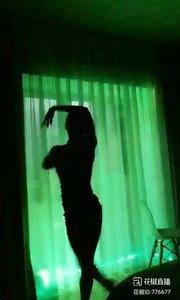 舞者火爆猴《伊人红妆》1.2#爱跳舞的我最美 #主播的高光时刻 #我怎么这么好看