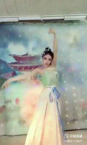 舞者火爆猴《风雨萧瑟》1.1#爱跳舞的我最美 #主播的高光时刻 #我怎么这么好看