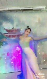 舞者火爆猴《天地不拜》1.1#爱跳舞的我最美 #主播的高光时刻 #我怎么这么好看