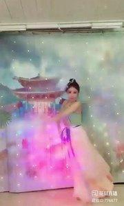 舞者火爆猴《风雨萧瑟》1.2#爱跳舞的我最美 #主播的高光时刻 #我怎么这么好看