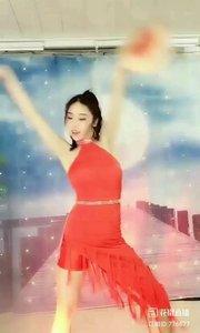舞者火爆猴《Versace On The Floor》1.1#爱跳舞的我最美 #性感不腻的热舞 #主播的高光时刻 #我怎么这么好看