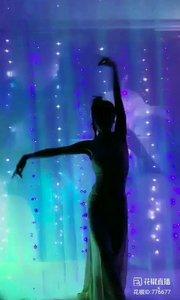 舞者火爆猴《爱qing电影》1.2#主播的高光时刻 #我怎么这么好看 #剪影舞