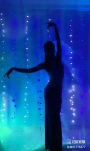 舞者火爆猴《新鸳鸯蝴蝶梦》2.1#主播的高光时刻 #我怎么这么好看 #剪影舞