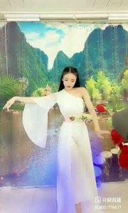 舞者火爆猴《绿水青山》1.1#主播的高光时刻 #我怎么这么好看