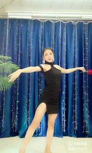 舞者火爆猴《羞答答的玫瑰静悄悄地开》1.2#主播的高光时刻 #我怎么这么好看