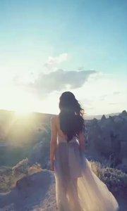 我曾逆着人就站在这里望着你,咫尺天涯