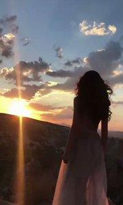 只有当时夕阳很美  还好我们还年轻