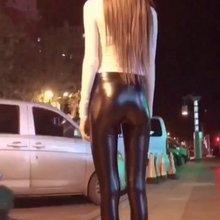 美女皮裤摇??